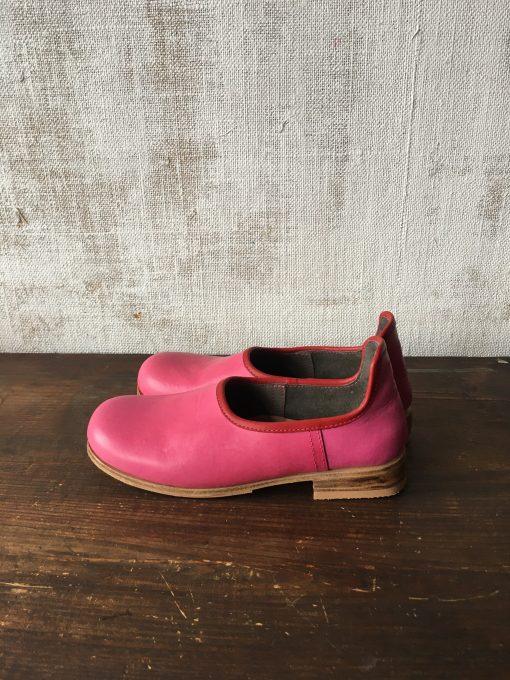 ピンク×赤の靴べらシューズ。it's sooooo cute!