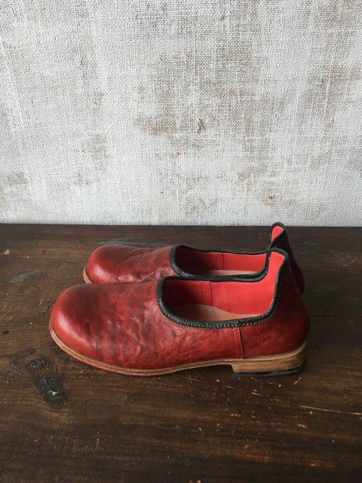 赤✖︎深緑の靴べらシューズ