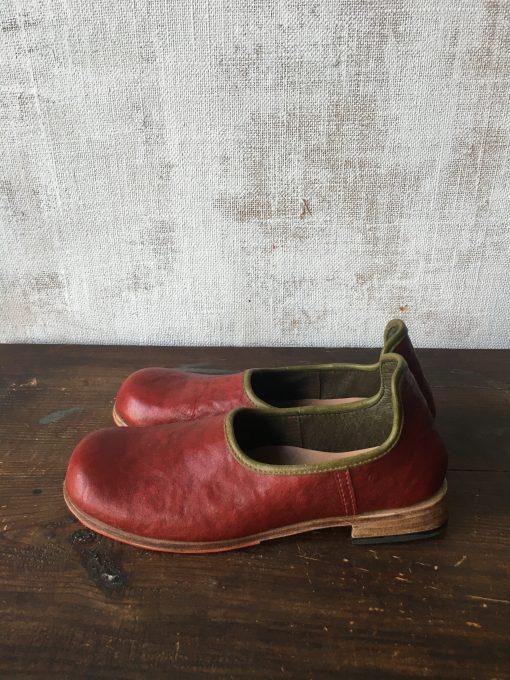 赤✖︎カーキの靴べらシューズ